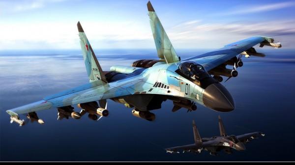 Самолет истребитель Су 35
