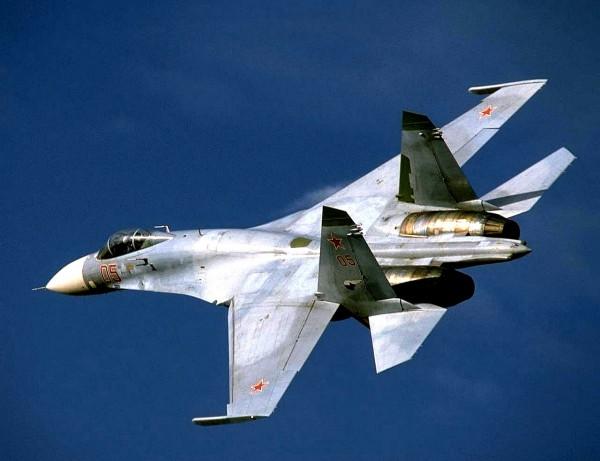 Самолёт Су 27