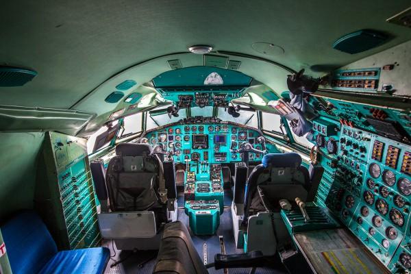 Кабина самолёта Ту 154