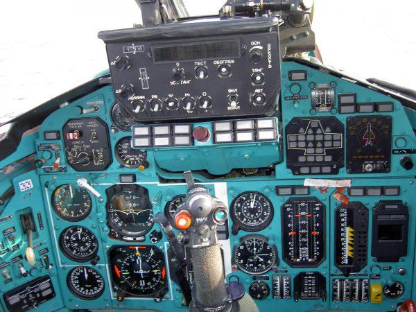 МиГ-31 кабина плота