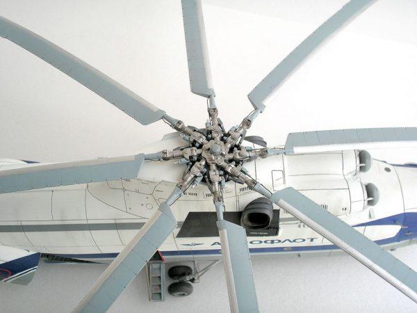 Расположение лопастей на макете Ми 26