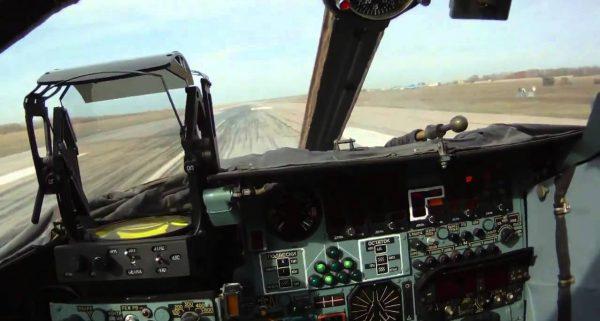 Су-24 взлёт., вид из кабины