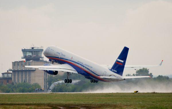 Ту-214 взлёт