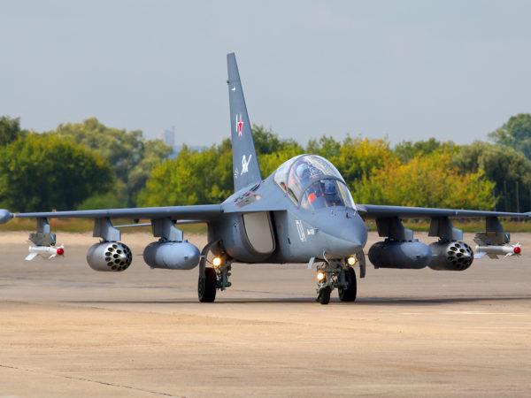 Учебно-боевой Як-130
