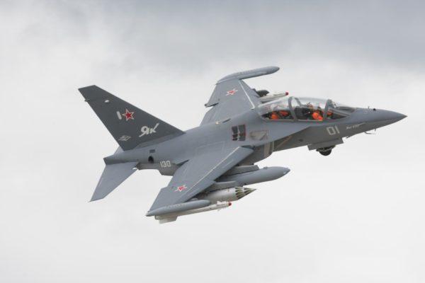 Як-130 в небе