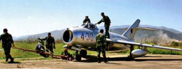 Истребитель МиГ-17 китайского производства на вооружении ВВС Албании