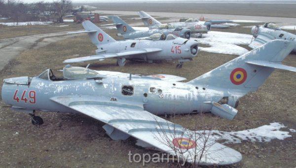 Истребители МиГ-17ПФ