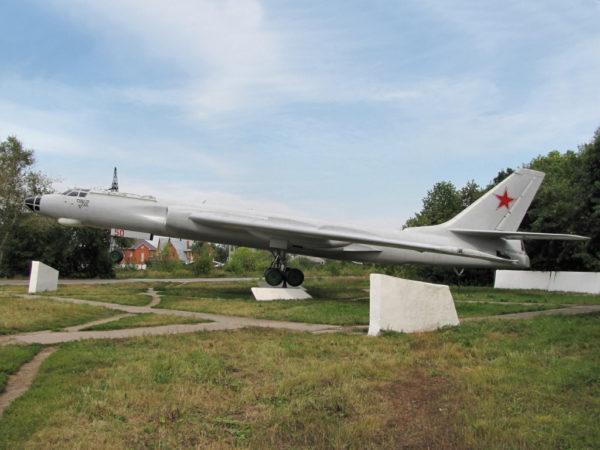 Ту-16, памятник в Рязани