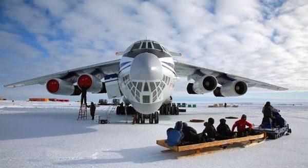 Ил-76 на базе полярников