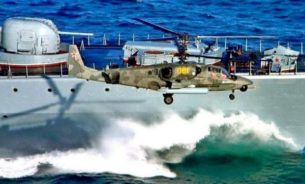 Ка-52К во время морских испытаний