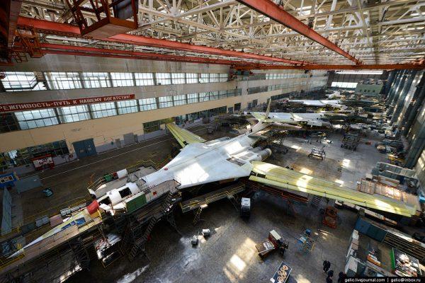Ту-160 на модернизации в цехе Казанского авиазавода