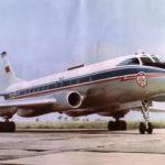 Филигранная посадка Ту-124 между мостами на Неве