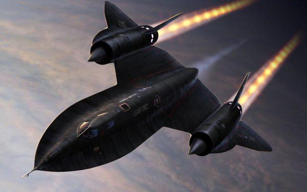 Amerikanskiy-giperzvukovoy-razvedchik-SR-71
