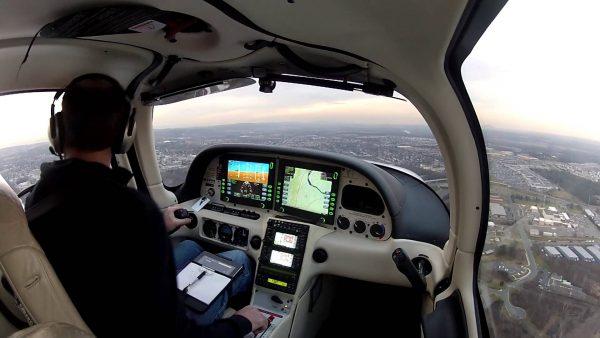 Пилотская кабина Cirrus Vision SF 50