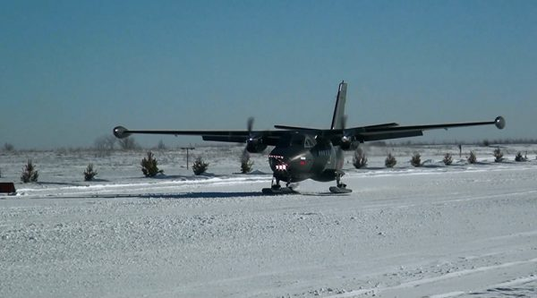 Л-410 на лыжах